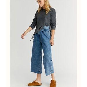 Levi's Ribcage Pleated Crop Jeans Raw Hem NWT